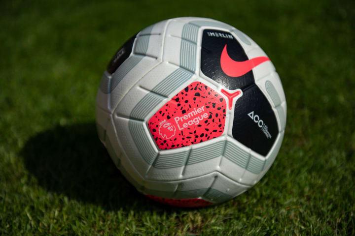 Bola Pertandingan Liga Premier