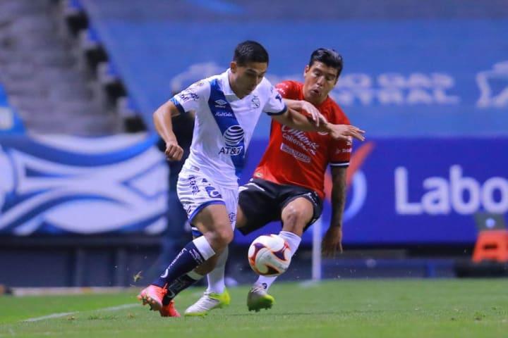 Salvador Reyes, Luis Mendoza