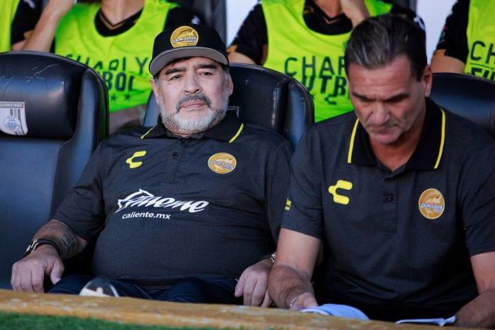 Diego Armando Maradona, Luis Alberto Islas