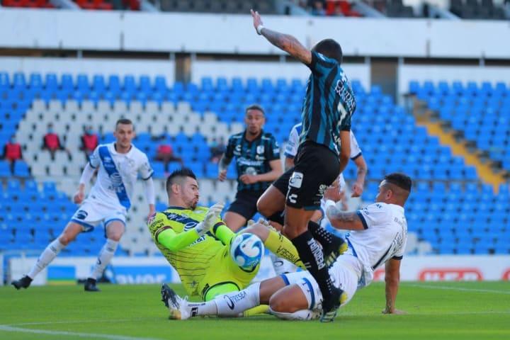 Queretaro v Puebla - Torneo Guard1anes 2021 Liga MX
