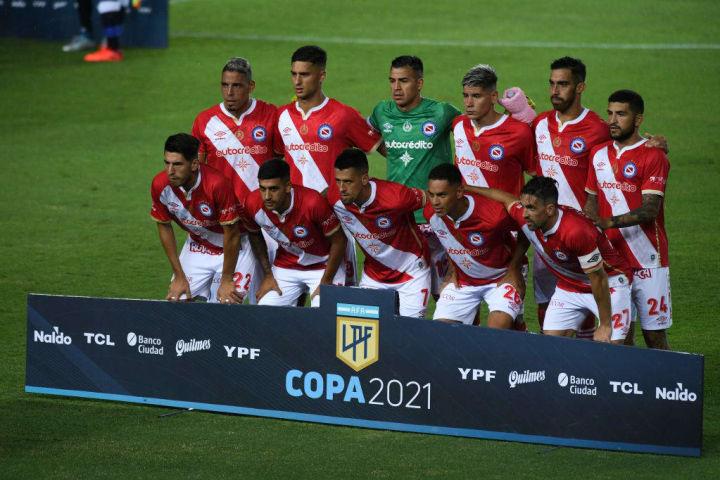 Racing Club v Argentinos Juniors - Copa de la Liga Profesional 2021