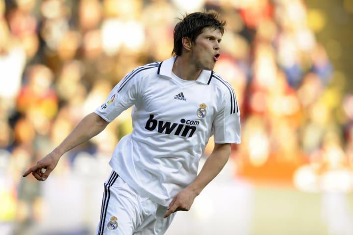 Real Madrid's Dutch Klaas Jan Huntelaar