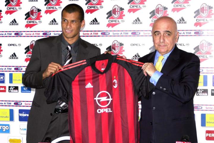Rivaldo signs for AC Milan