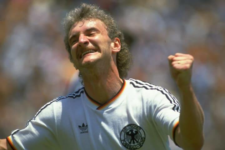 Rudi Völler gehört zu den besten Stürmern der 1980er und 90er
