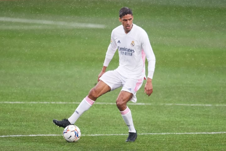 Raphael Varane conferma di essere tra i difensori più forti al mondo