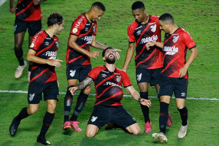 Fernando Canesin Athletico-PR Jejum Campeonato Brasileiro