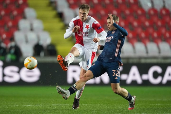 Emile Smith Rowe lunges into a challenge