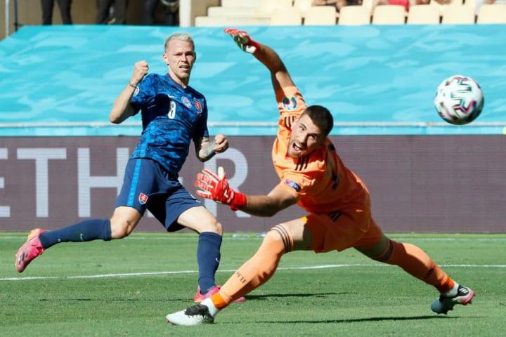 Ondrej Duda looks to find a finish