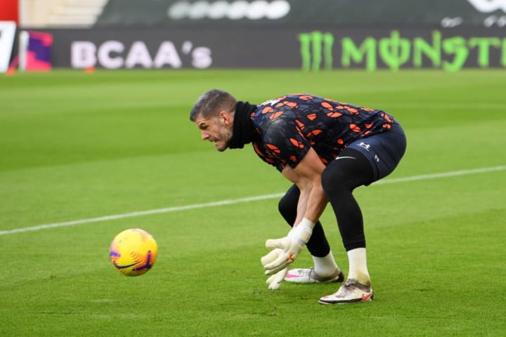 Forster warming up before the Manchester United fixture