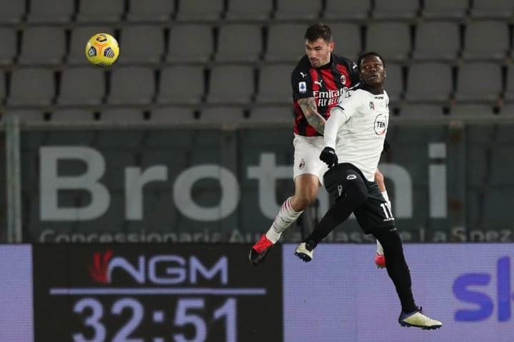 Romagnoli battles in the air