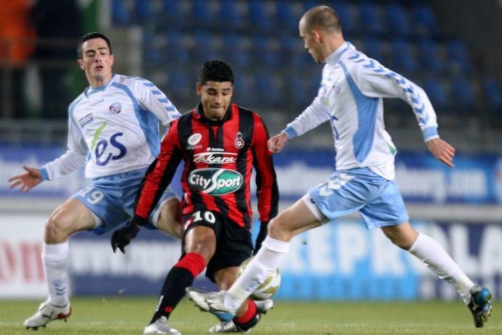Strasbourg's midfielder Renaud Cohade (R