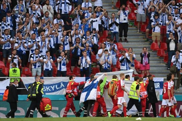 Eriksem Rivalidade Dia do Amigo Solidariedade Eriksen Dinamarca Finlândia