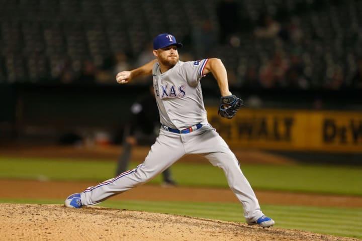 Ian Kennedy tiene efectividad de 2.67 en un total de 30 partidos con los Rangers de Texas en la campaña 2021 de la MLB