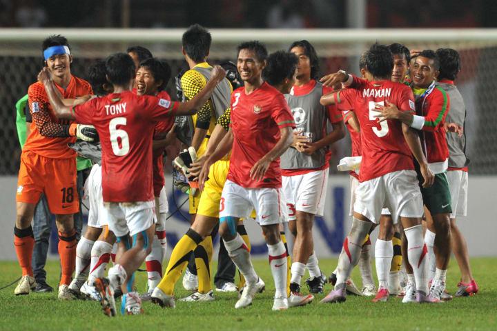 Thailand goal keeper Sinthaweechai Hatha