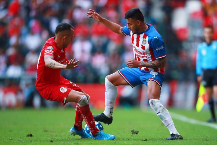 Rodrigo Salinas, Alexis Vega