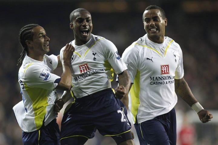 Tottenham Hotspurs Danny Rose (C) celebr