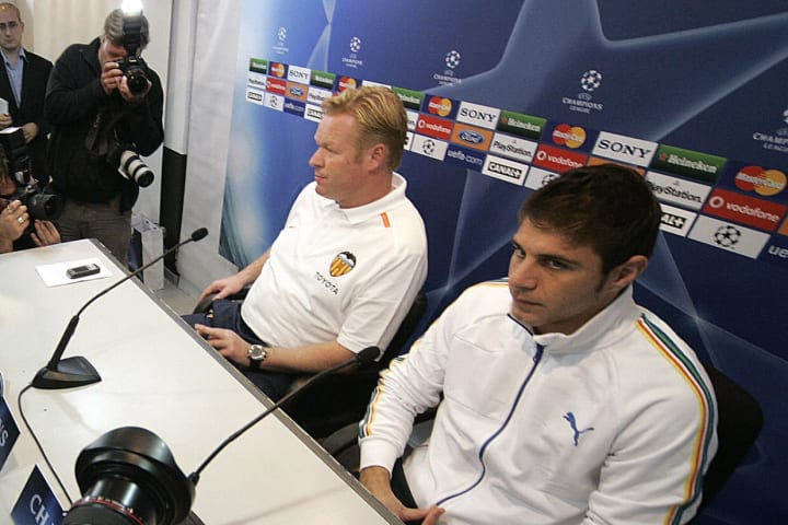 Valencia's Joaquin (R) and Dutch coach R