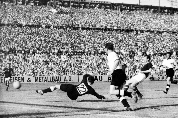 WORLD CUP-1954-HUNGARY-GERMANY