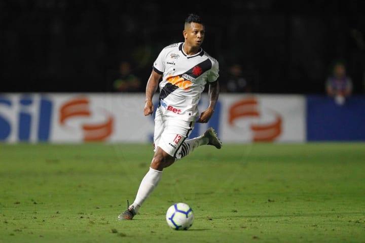 Fredy Guarín pode se aposentar caso não fique no a Vasco.