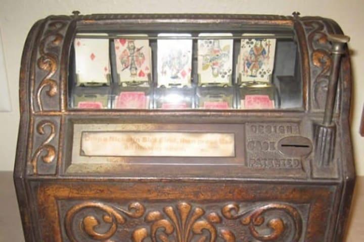 Sittman and Pitt's 5-reel poker machine.