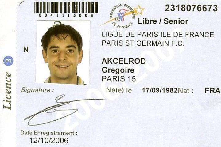Licence FFF de Grégoire Akcelrod avec la division amateur du PSG.