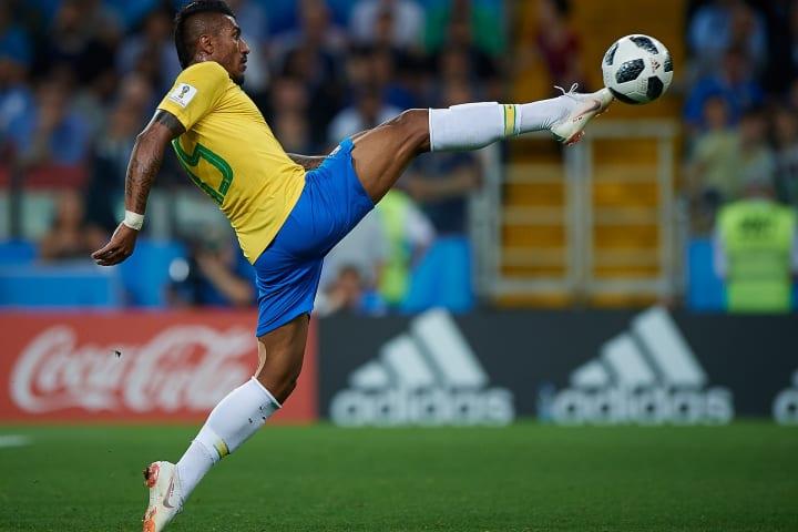 Paulinho Volante Seleção brasileira Copa do Mundo Barcelona China Corinthians