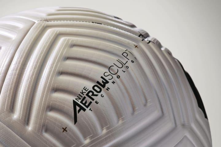 The four-panelled ball features moulded grooves to prevent inconsistencies in flight