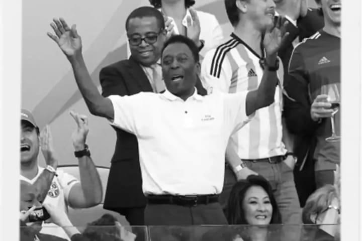 Pelé torcida estádio