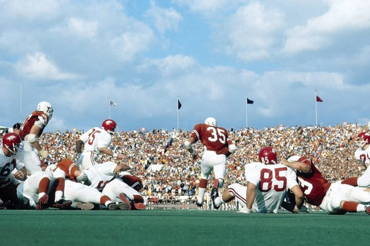 Texas' Jim Bertelsen rushing against Arkansas in 1970.