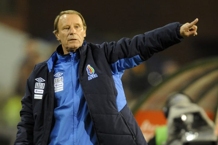 head coach Berti Vogts reacts during the
