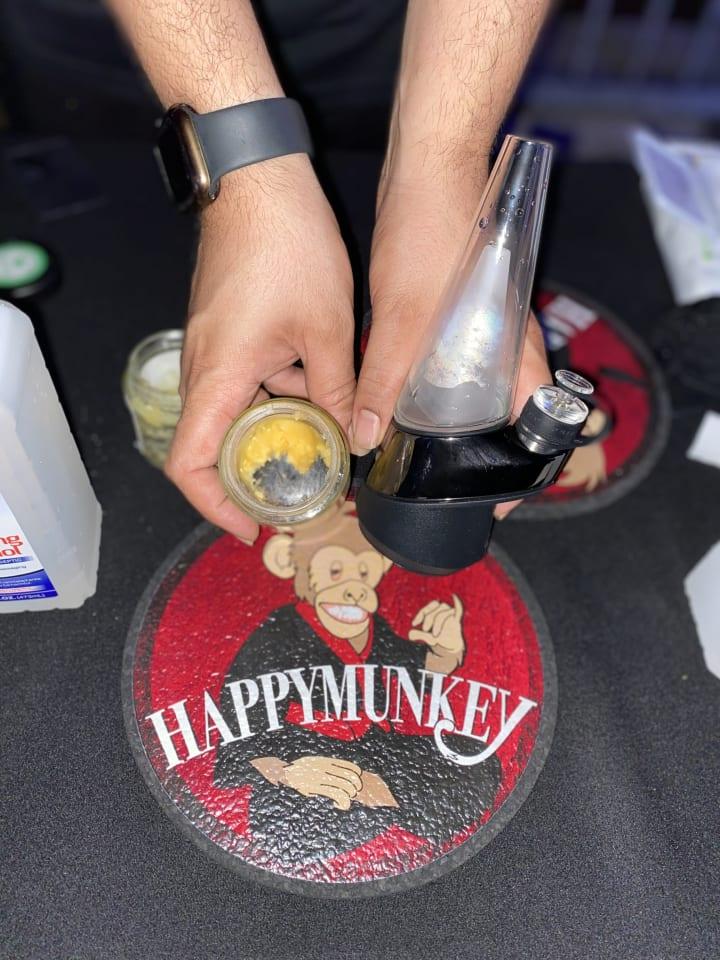 Happy Munkey and Puffco