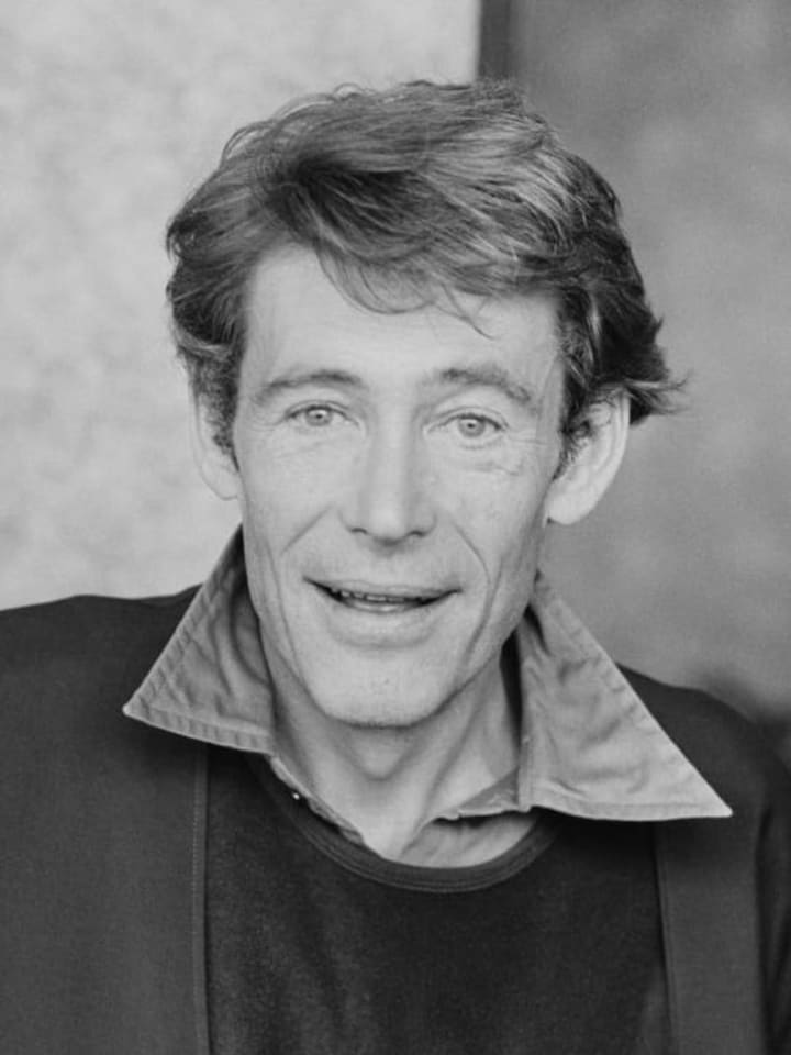 British actor Peter O'Toole (1932 - 2013), UK, 20th October 1977. (Photo by Evening Standard/Hulton Archive/Getty Images)