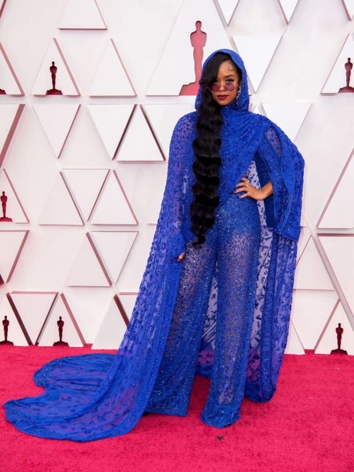 H.E.R. at the 2021 Oscars