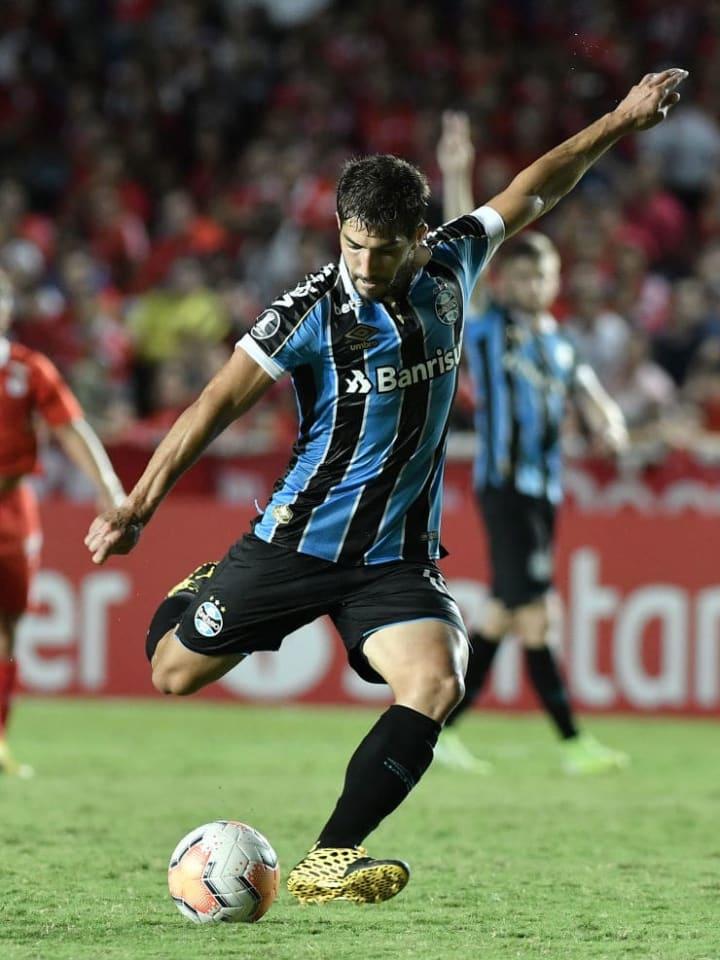 Lucas Silva deve ser titular do Grêmio no clássico desta quarta