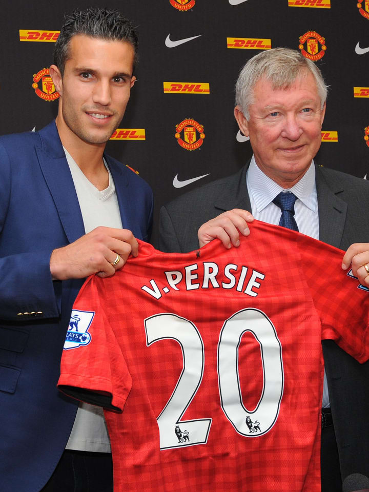 Van Persie signed from rivals Arsenal