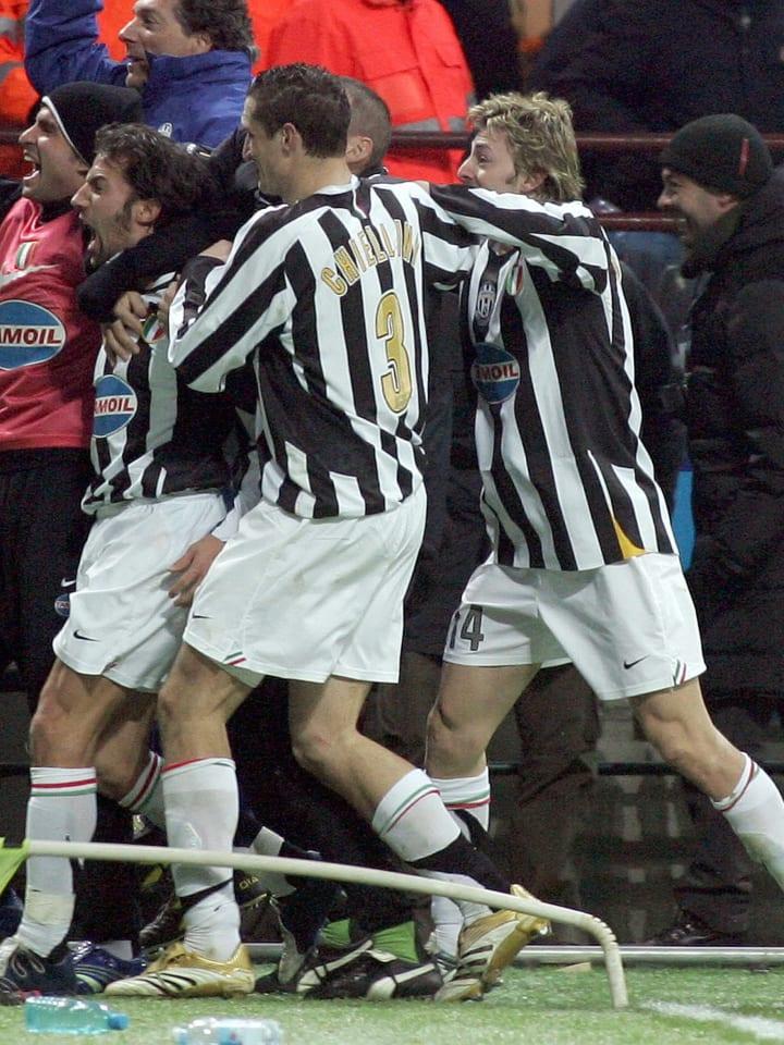 Juventus forward Alessandro Del Piero (C