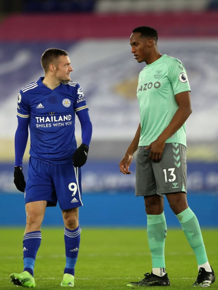 Find someone who looks at you the way Vardy looks at Mina