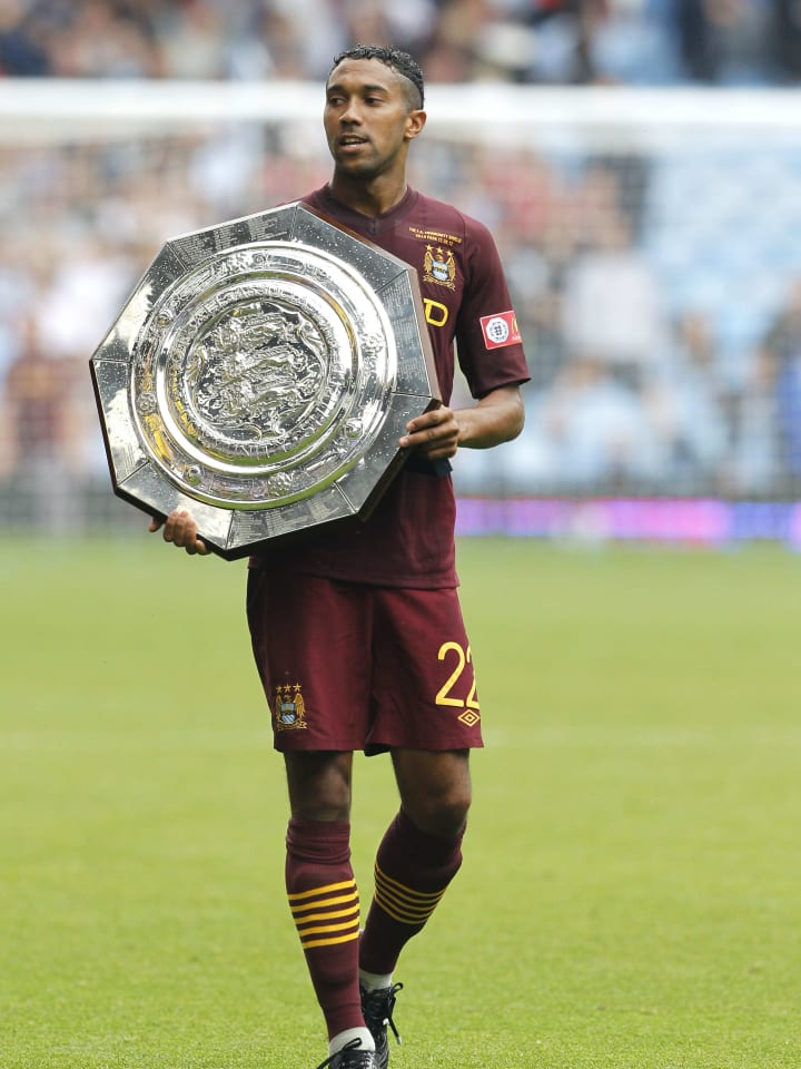 Gael Clichy dan trofi Community Shield