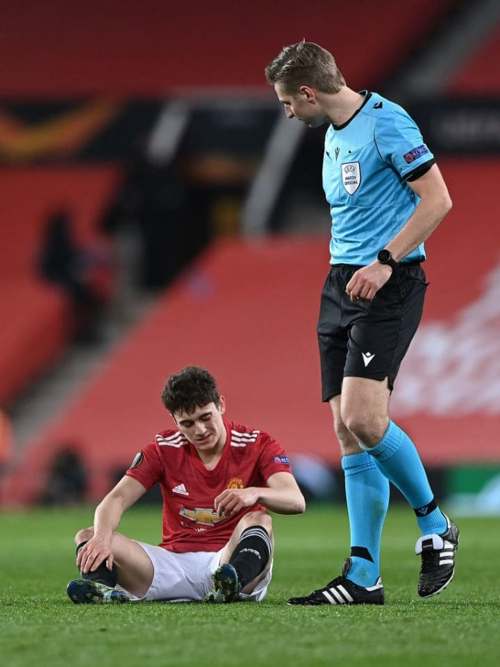 Daniel James came off injured for United on Thursday