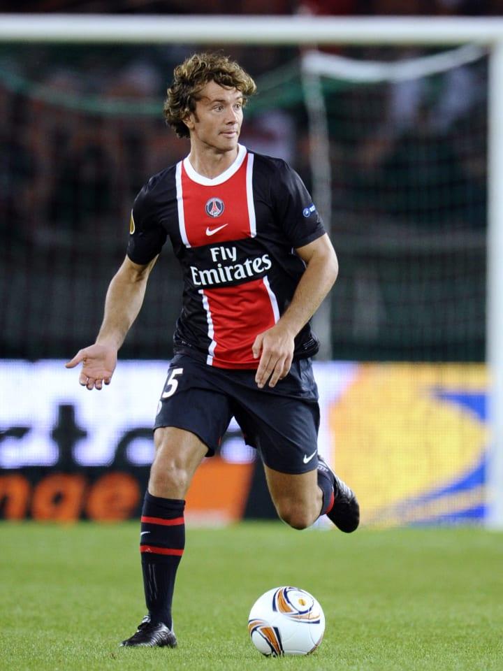 El paso de Lugano por el PSG fue en 2011/12 y fue el primero de los grandes fichajes de la historia del club parisino.