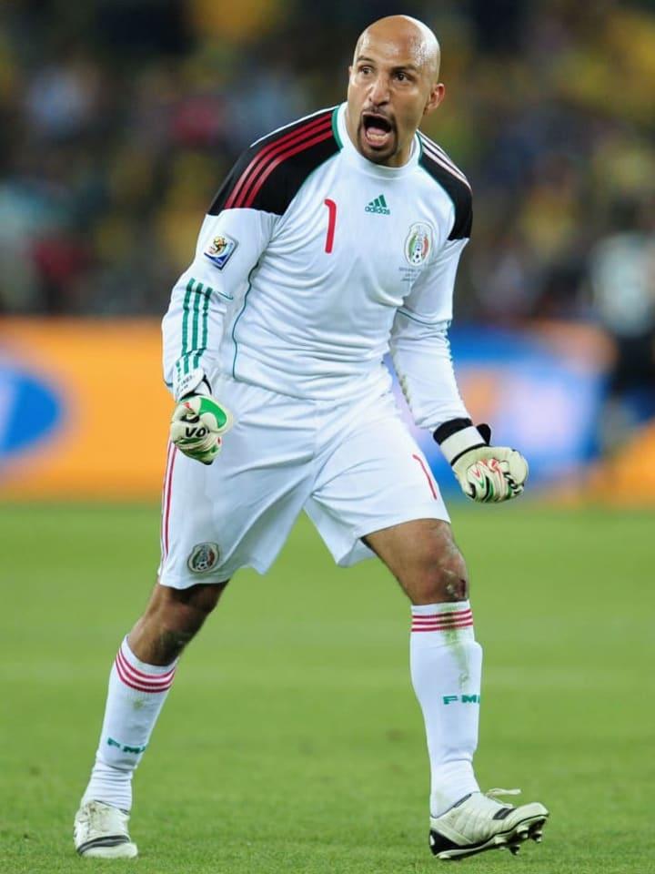Oscar Pérez gritando el gol del empate entre Sudáfrica y México por la jornada inaugural del Mundial 2010.