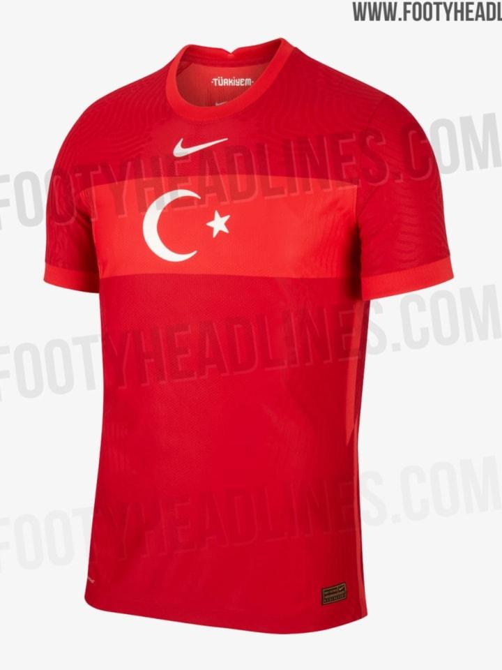 Das Auswärtstrikot der Türkei