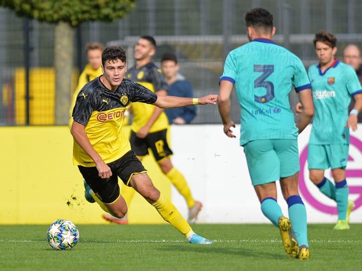 Borussia Dortmund U19 v FC Barcelona U19 - UEFA Youth League