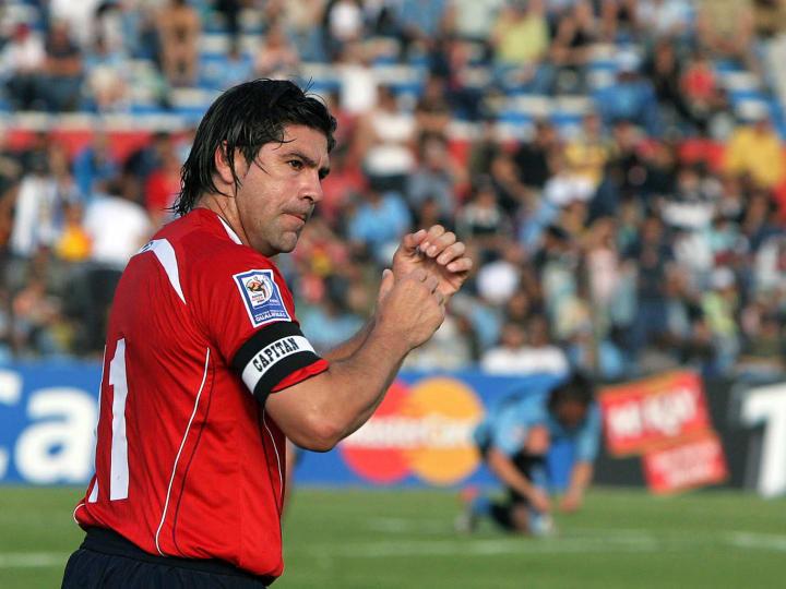 Chilean Marcelo Salas (L) celebrates his