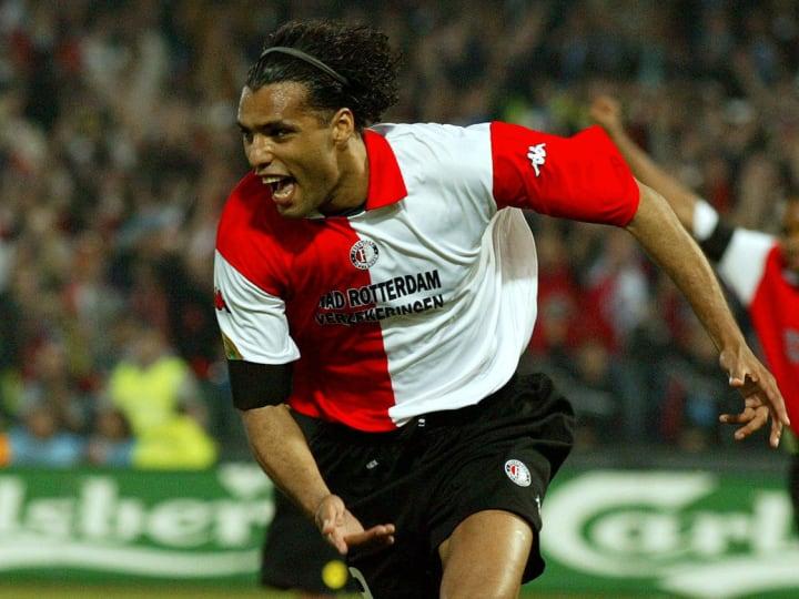 Feyenoord's forward Pierre van Hooijdonk jubilates