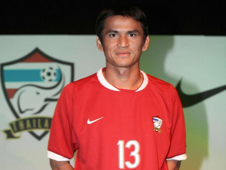 Thai football player, Kiatisuk Senamuang...