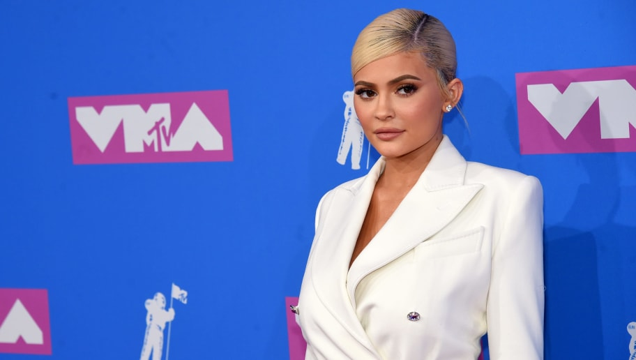 Kylie Jenner Accused of Major Plastic Surgery With 'Summer Body' Pic