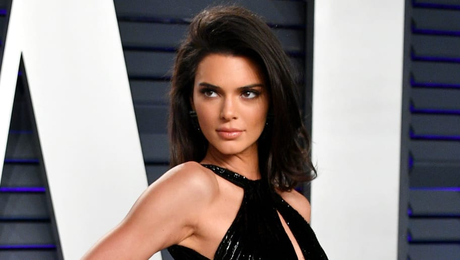 BEVERLY HILLS, CA - FEBRUARY 24:  Kendall Jenner attends the 2019 Vanity Fair Oscar Party hosted by Radhika Jones at Wallis Annenberg Center for the Performing Arts on February 24, 2019 in Beverly Hills, California.  (Photo by Dia Dipasupil/Getty Images)
