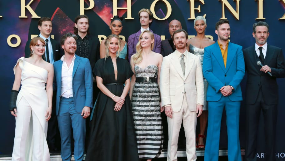 """HOLLYWOOD, CALIFORNIA - JUNE 04: (Back L-R) Tye Sheridan, Alexandra Shipp, Kodi-Smit McPhee, Andrew Stehlin, Kota Eberhardt (Front L-R) Jessica Chastain, James McAvoy, Jennifer Lawrence, Sophie Turner, Michael Fassbender, Nicholas Hoult and Simon Kinberg attend the premiere of 20th Century Fox's """"Dark Phoenix"""" at TCL Chinese Theatre on June 04, 2019 in Hollywood, California. (Photo by Rich Fury/Getty Images)"""