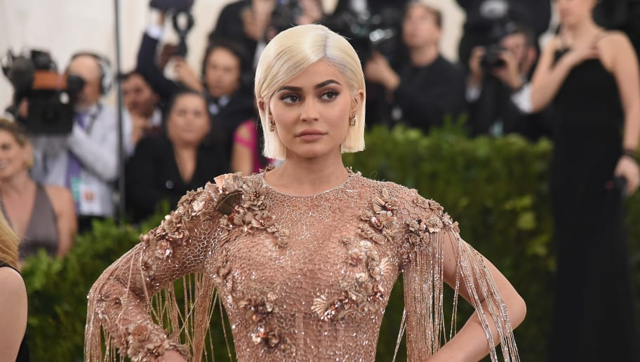 Kylie Jenner Gets Attacked With Photoshop Accusations Again
